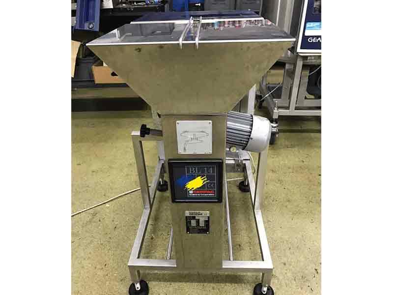 Máquina sopladora y abridora de bolsas de Cryovac