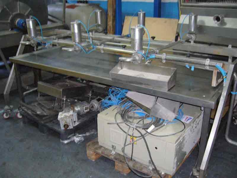 Máquina de llenado de pimientos con 6 puestos