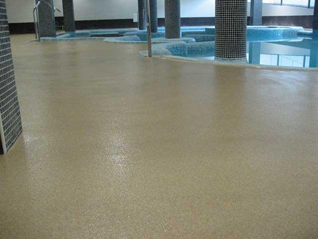 Venta e instalación de pavimento para piscinas en Gipuzkoa