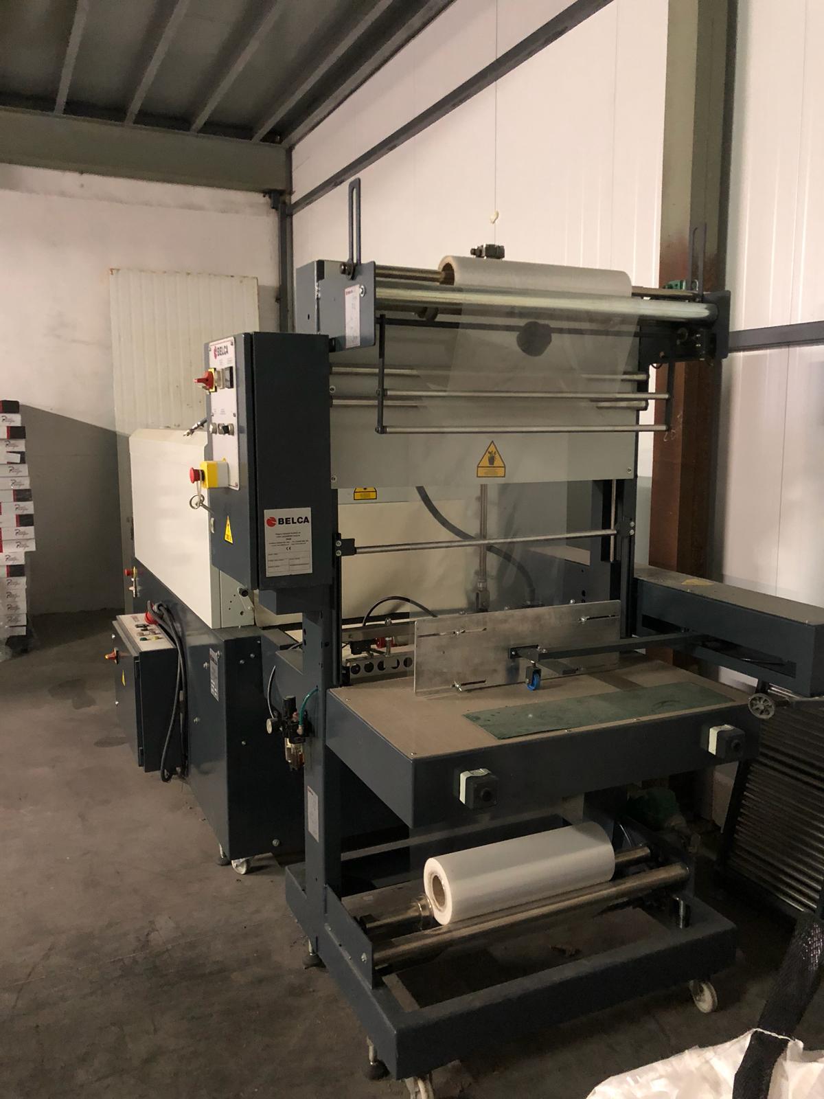 Máquina retractiladora de cajas sector alimentación